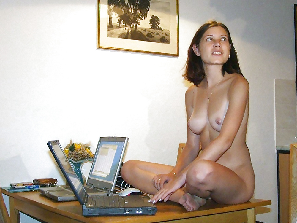 Nude girls at home congratulate